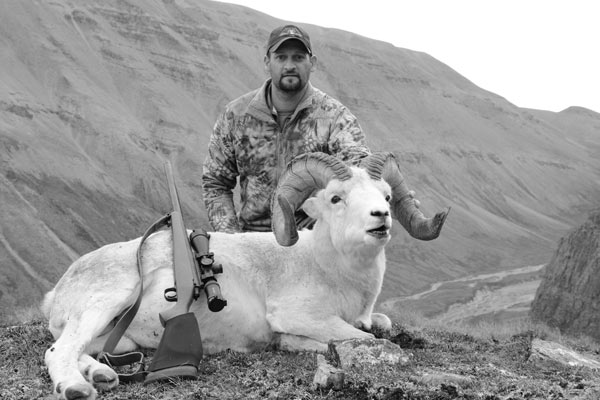 b&w-cody&sheep_600x400